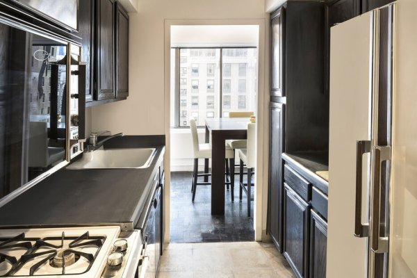 One bedrooms two bathroom prime upper east side location condo for sale